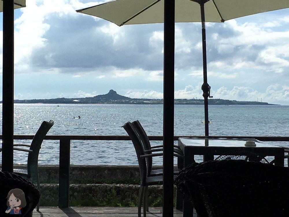 オーシャンビューのカフェからの眺め